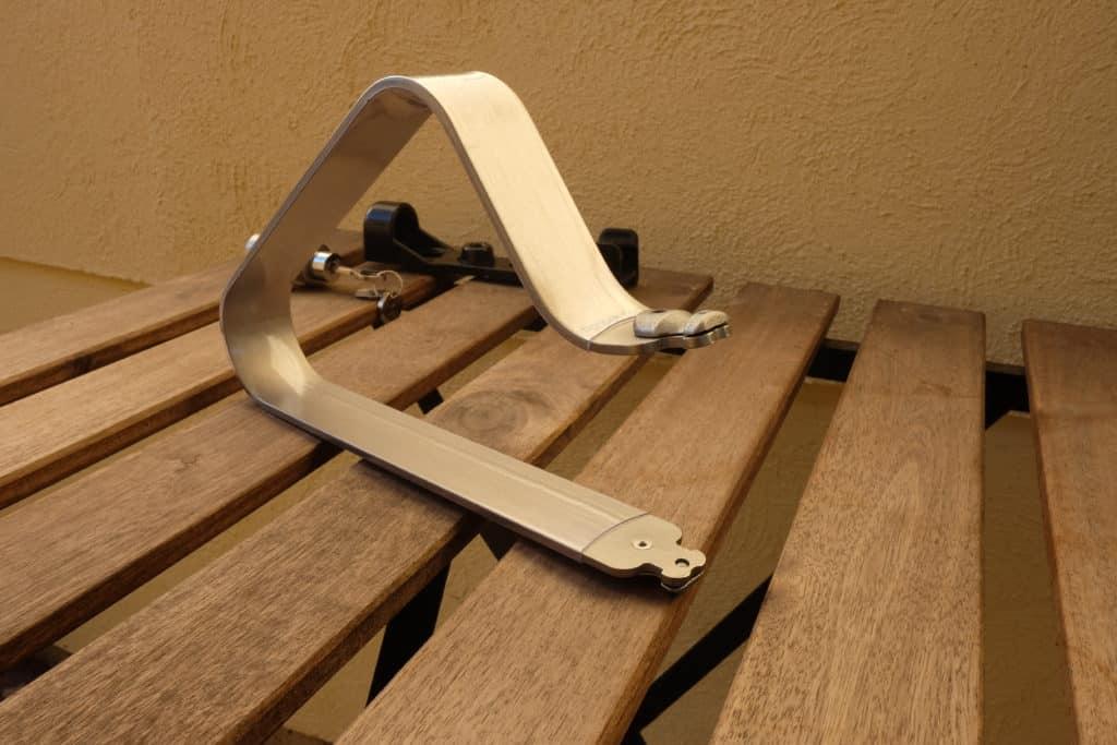 TiGr Mini shackle closeup