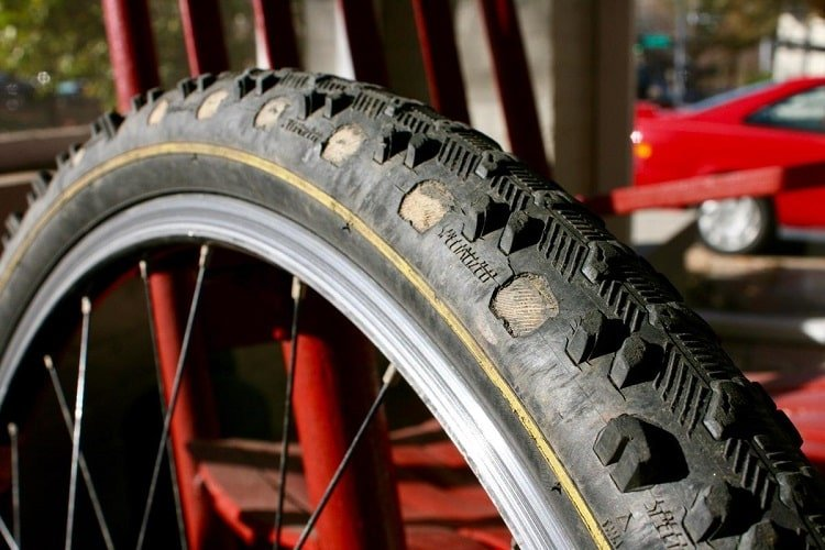 tire without grip