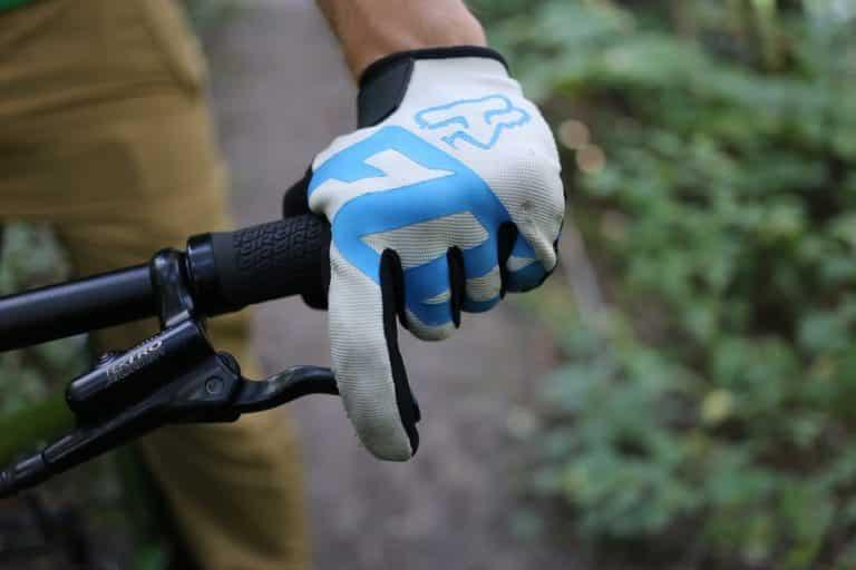 Best Mountain Bike Gloves Reviews 2021 – Top MTB Choices