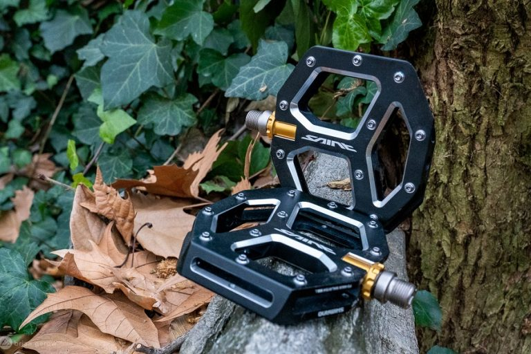 9 Best Mountain Bike Pedals Reviews 2021 – Top MTB Brands (including some Clipless options)
