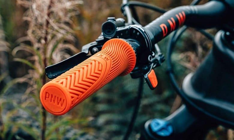 orange grip