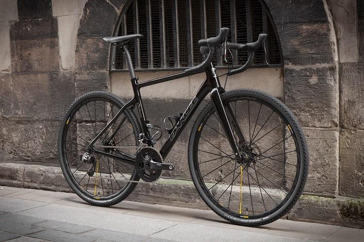 Black Gravel Bike