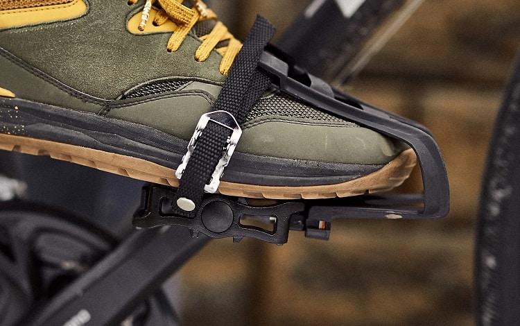 toe clip on pedal