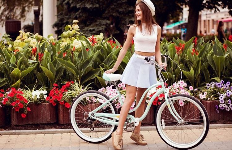 woman step trough frame bike