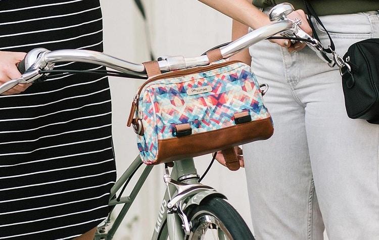 handlebar on woman's bike