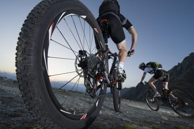 Can I Put Mountain Bike Tires On A Hybrid?