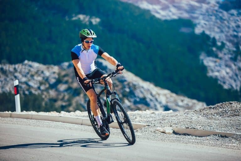 Should Your Leg Fully Extend on a Bike?