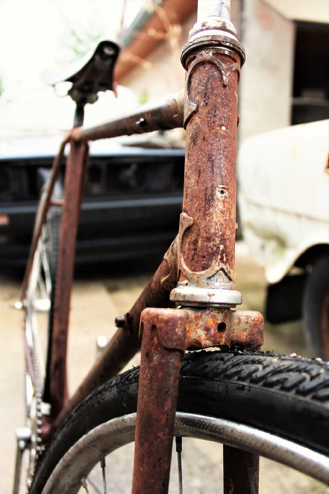 Removing Rust from a Bike
